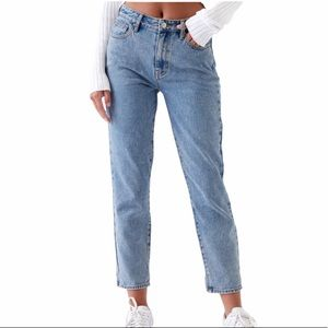 PacSun Mom Jeans in Medium Blue Wash